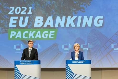 Valdis Dombrovskis, Mairead McGuinness - Photo credit: European Union, 2021 - Photographer: Aurore Martignoni